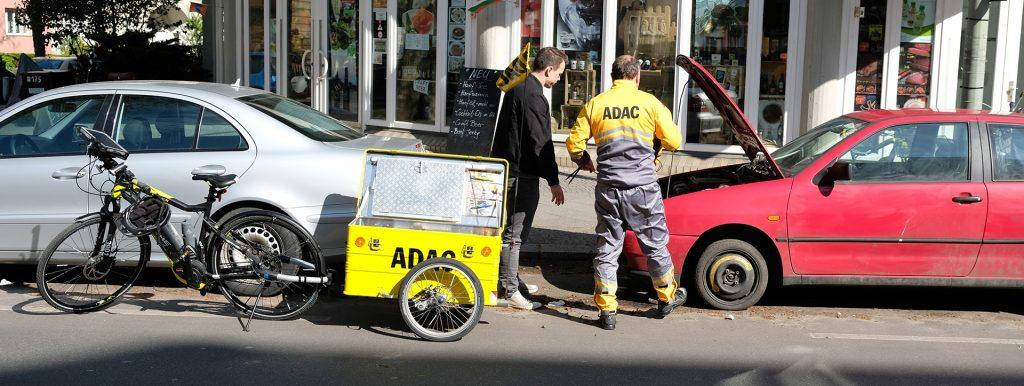 E-Bike-Pannenhelfer im Einsatz auf der Kurfürstenstraße