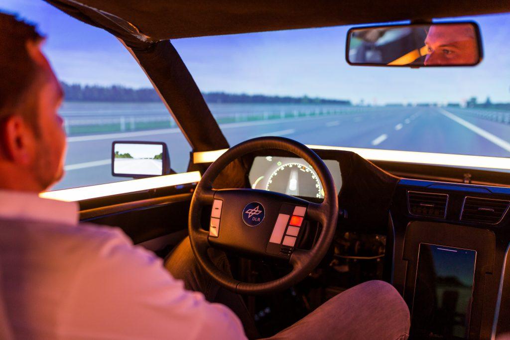 So könnte das selbstfahrende Auto in Zukunft mit uns kommunizieren