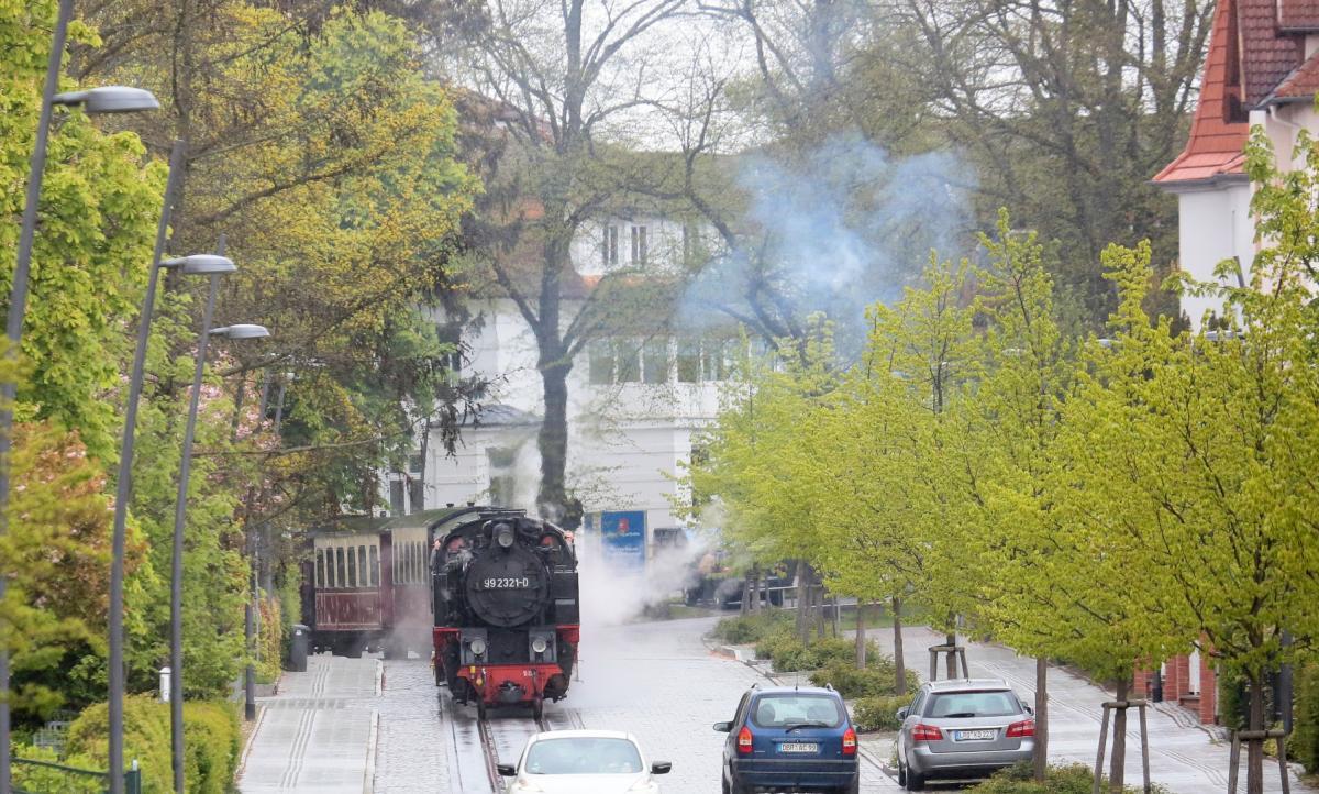 In Bad Doberan wird der Molli zur Straßenbahn